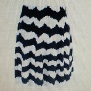 Dresses & Skirts - Black Cream A Line Skirt Thick Material